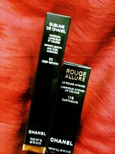 Chanel lipstick ad mascara...amazing!
